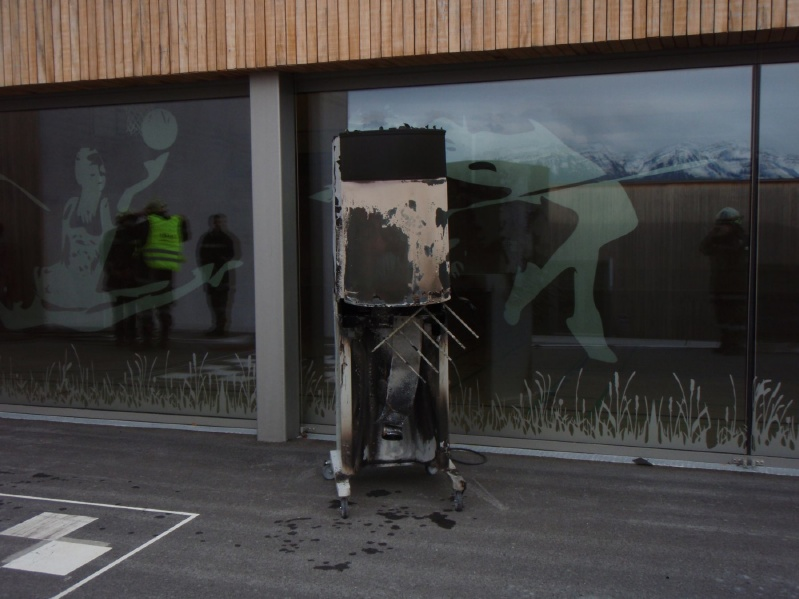 Einsatz 16.05.2014 - Brand Hauptschule (1) - klein