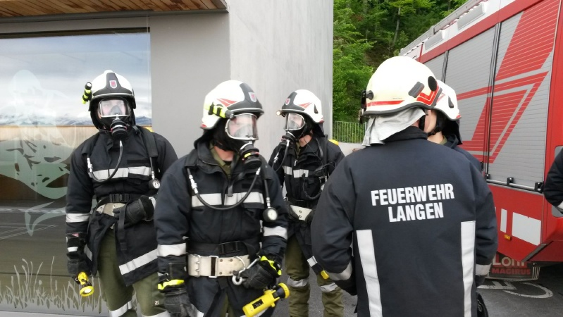 Einsatz 16.05.2014 - Brand Hauptschule Handy (1) - klein