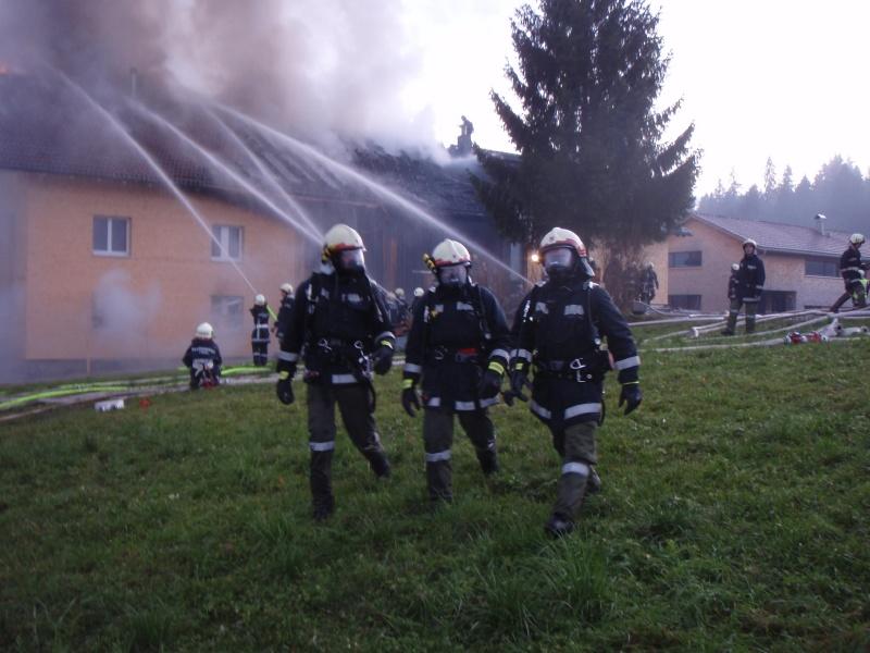 Einsatz 13.12.2014 - Brand Baldauf - Feuerwehr Langen (3)