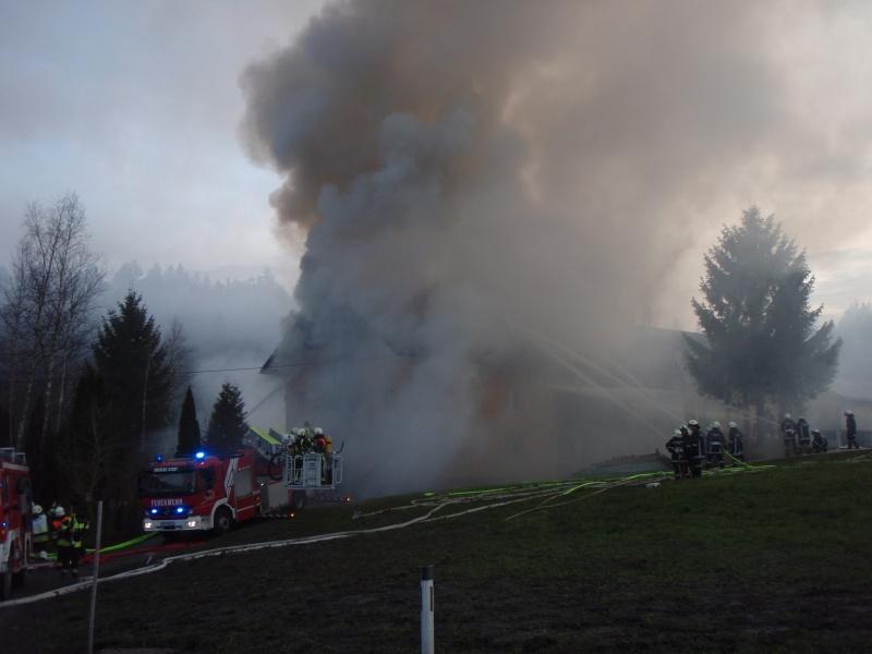 Einsatz 13.12.2014 - Brand Baldauf - Feuerwehr Langen (7)