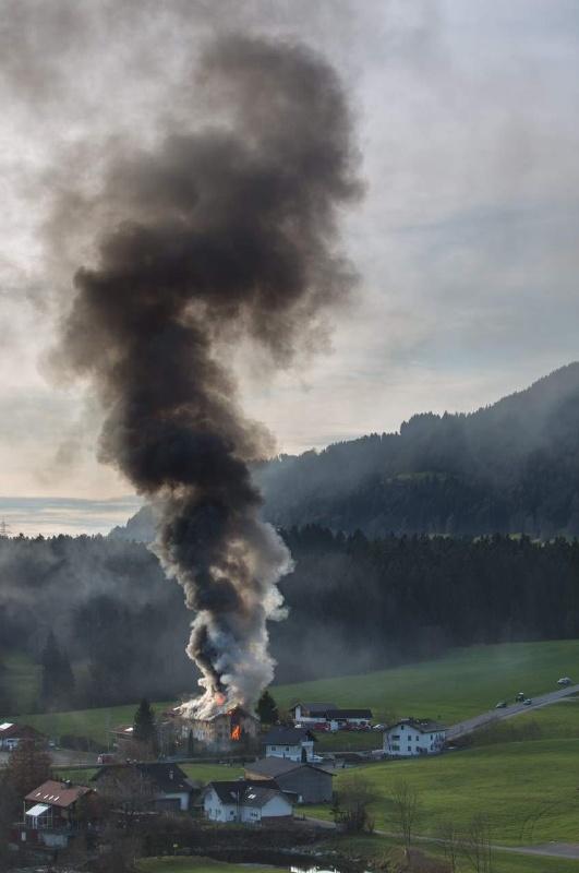 Einsatz 13.12.2014 - Brand Baldauf HR (1)