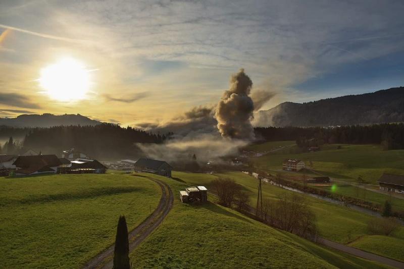 Einsatz 13.12.2014 - Brand Baldauf HR (10)