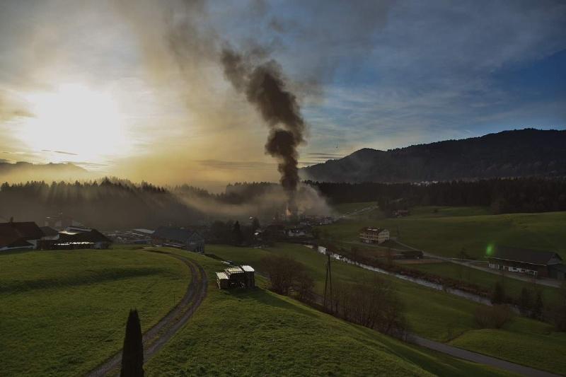 Einsatz 13.12.2014 - Brand Baldauf HR (16)