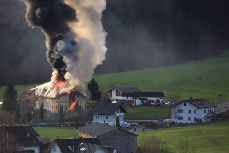Einsatz 13.12.2014 - Brand Baldauf HR (3)