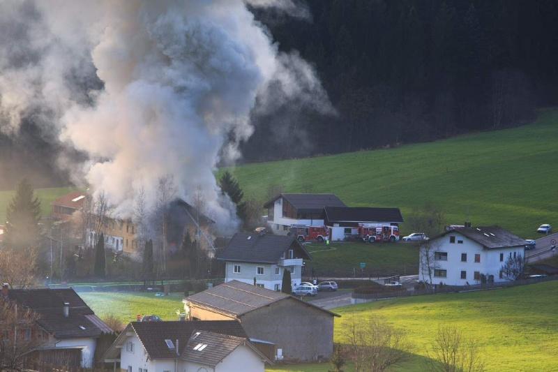Einsatz 13.12.2014 - Brand Baldauf HR (6)