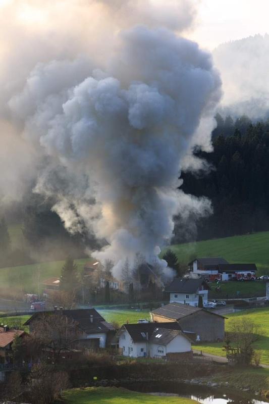 Einsatz 13.12.2014 - Brand Baldauf HR (7)