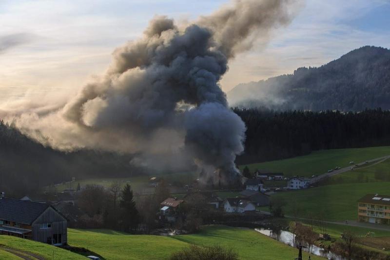 Einsatz 13.12.2014 - Brand Baldauf HR (8)