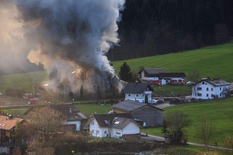 Einsatz 13.12.2014 - Brand Baldauf HR (9)